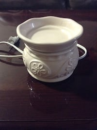 Wax warmer ( excellent condition ) Zanesville, 43701