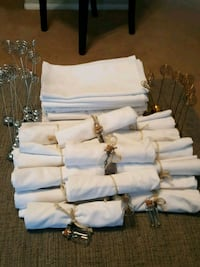 Cloth napkins and name holder cards