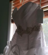 Sz14  Sexy/Strapless/Slimming Beaded Wedding Gown  Laurel