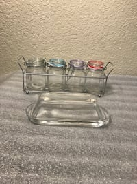 Butter dish and 4 small airtight containers Bakersfield, 93308