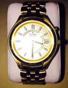 Seiko Kinetic goldtone datejust automatic watch for man