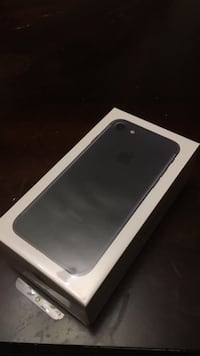 New Sealed iPhone 7 32GB Black UNLOCKED Lorton, 22079