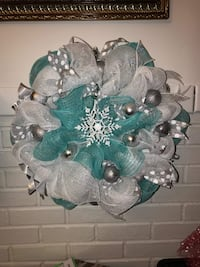 Wreath mint green white and silver 92 mi