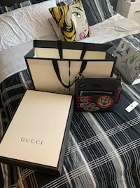 Gucci Messenger Bag, comes with receipt, shopping bag, and gift box. Baltimore, 21201