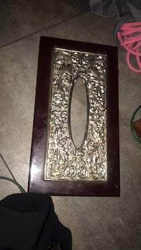 Tissue box too/lid with pretty metal design   Edmonton, T5P 1R9