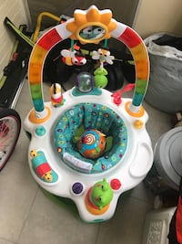 white exersaucer Chevy Chase, 20815