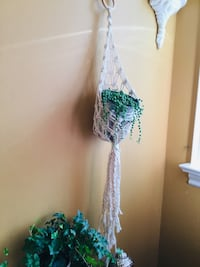 macrame plant hanger/garden/decoration/Wall Decor/Christmas Gift