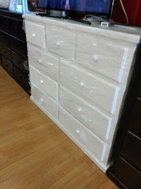White pinewood dresser with 9 drawers  Lakewood, 90713
