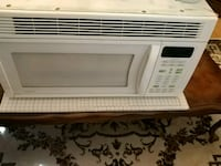 white General Electric microwave oven Oshawa, L1G 7L2