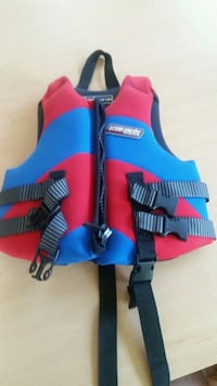 Child size life vest  Herndon, 20170