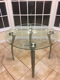 round clear glass top table Bethesda, 20817