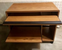 Sturdy wood desk Germantown, 20874