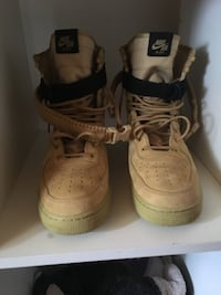 Special field Air Force 1 size 10 North Vancouver, V7R 2Z2