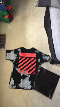 Off-White tee Waterloo, N2T 1Z8