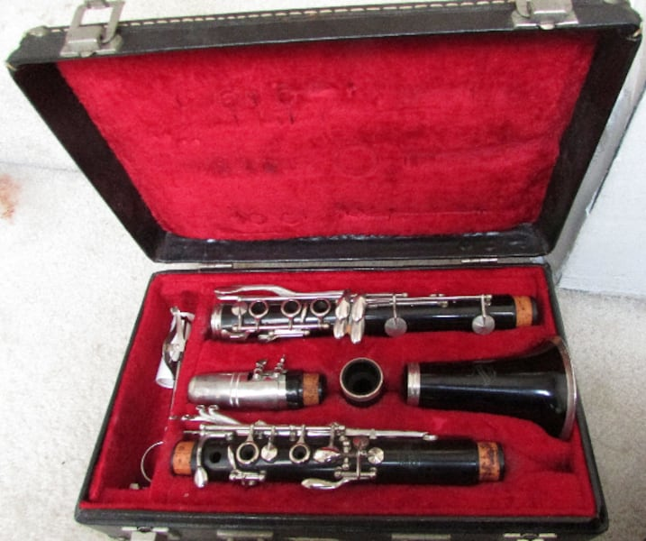 Vintage King Cleveland 707 Clarinet H.N White Co. with Selmer Mouthpiece Circa 1930-1935 e60d9ade-e1a1-4336-9786-3b9c8f828412