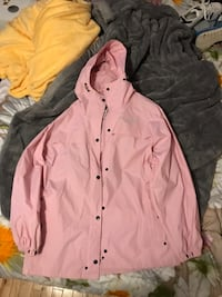 Pink button-up Colombia jacket  Lower Sackville, B4C 1T8