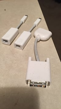 apple vga cord and two usb port adapters