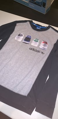 Adidas Originals Crewneck Size Small Acton, L7J 1N1