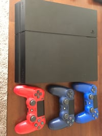 Black  ps4 console with 3 controllers Cheyenne, 82007
