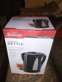 Brand New kettle still in box never used for sale Edmonton, T5A 4N4
