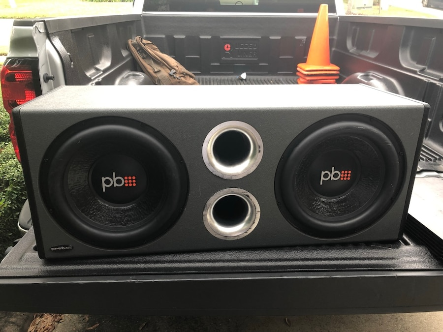 """Photo 12""""Subwoofers and amp"""
