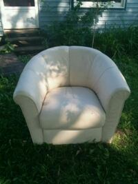 White leather chair GREAT condition  West Monroe, 13167