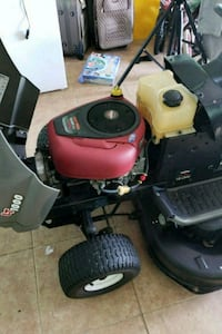 red and black LT push lawn mower Kissimmee, 34759