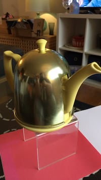 Vintage 1940's Hall China Teapot and Cozy Woodbridge, 22191