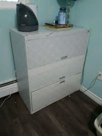 white wooden 2-drawer nightstand London, N6P