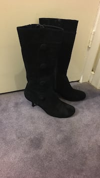 Ladies suede boots - size 8 Mississauga, L5W