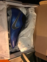 Soccer cleats  null