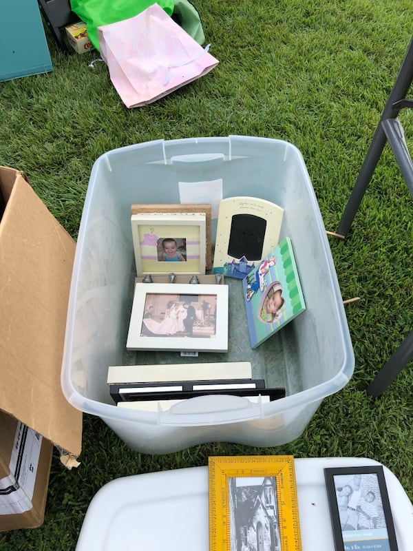 Picture frames lot. Over 60 individuals or entire lot.  32336863-18c9-48d9-b32c-55b521b71bdc