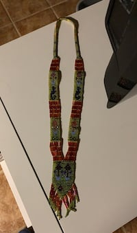 Hand beaded necklace Gatineau, J8T 5G1