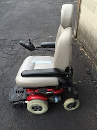 Motorized wheel chair . New batteries Milford, 48381
