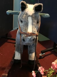 Very high quality child's rocking horse . New York, 10463