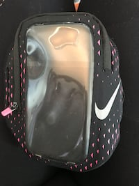 Nike cellphone workout holder used once. Pick up only  536 km