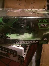 black and green Lightning motorcycle die cast pack Montréal, H1R 2T2