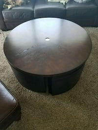 Coffee table with 4 ottoman storage chairs. Mauldin, 29662