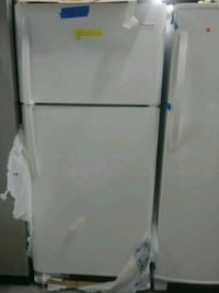 New frigidaire top and bottom fridge with 6 months Baltimore, 21223