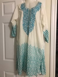 white and blue floral long sleeve dress Whitby, L1P 0B7