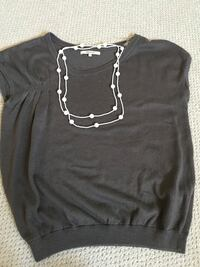 RW&CO. Top and pearl necklace  Lethbridge, T1K