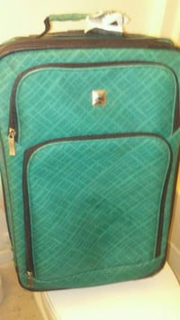 Used'Suitcase/Need cleaning but in great shape  Houston, 77028