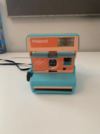 Polaroid Original 600 instant camera