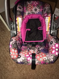 Infant car seat  Greenbelt, 20770