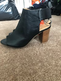 Pair of black leather chunky heeled booties Edmonton, T6W 2P2