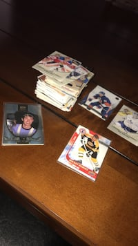 100 Hockey Collector Cards Barrie, L4N 4G8
