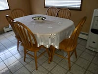 Full wood table with leaf and 6 chairs Vancouver, V5P 1B8