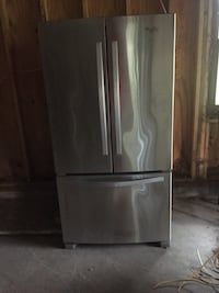 Stainless steel refrigerator-doesn't cool. May be fixed Harpers Ferry, 25425