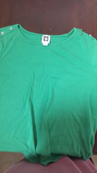 green crew-neck shirt Alexandria, 22307
