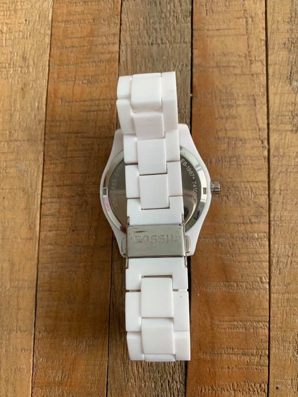 Fossil watch  4ed8d68a-68c7-4bbf-a9ee-9878cb5e4d6d